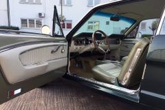 Ford-Mustang-V8-1965-Interior-Sitze-Sitzbank-Lenkrad-