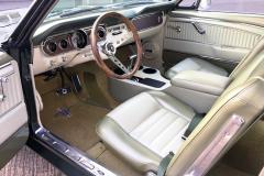 Ford-Mustang-V8-1965-Interior-Sitze-Sitzbank-Lenkrad-1
